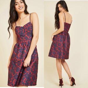 ModCloth Evenings Overseas Red Floral Dress Sz Sm